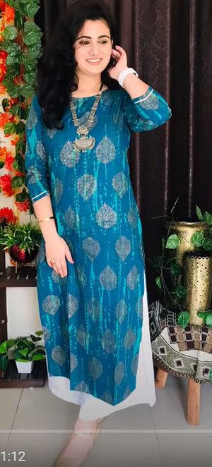 Meeranshi Women Blue & Golden Printed Straight Dyed Kurta